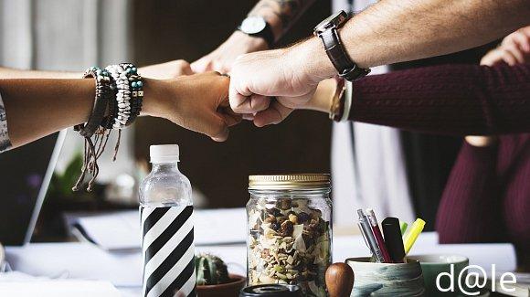 Imagen trabajo en equipo, acerca de nosotros, bolsa de trabajo, vacantes, restaurantes